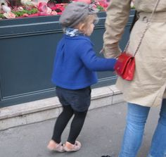 Yesterday I saw this adorable French kiddie dans la rue...