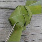 weaving a flax fantail step 19