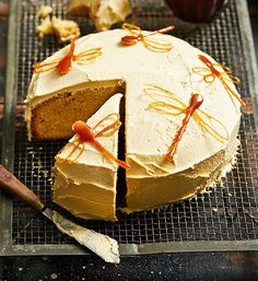 Caramel mud cake: Sweet, buttery and wonderfully delicious, a slice of caramel mud cake is just as good as the traditional chocolate version – some might say . Love the sweet caramel dragonflies too! Cupcakes, Cupcake Cakes, Tea Cakes, Baking Recipes, Cake Recipes, Bhg Recipes, Recipies, Dessert Recipes, Caramel Mud Cake