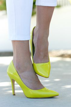 Plane Pretty | Fashion, Travel and Lifestyle Blog Im SO in love with neon...ALWAYS have been!!