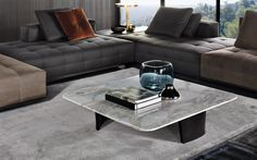 SONG COFFEE TABLE - Designer Coffee tables from Minotti ✓ all information ✓ high-resolution images ✓ CADs ✓ catalogues ✓ contact information ✓. Italian Furniture, Luxury Furniture, Furniture Design, Low Coffee Table, Coffee Table Design, Hamptons Living Room, Back Painted Glass, Center Table, Table Furniture