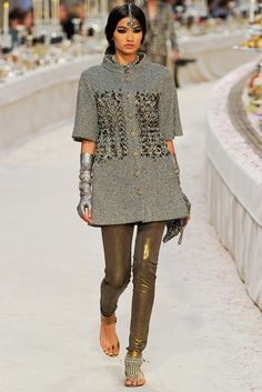 Chanel Pre-Fall 2012 Collection Slideshow on Style.com
