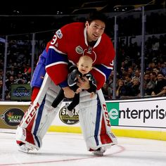 Carey Price of the Montreal Canadiens captained his Atlantic Division team to victory at the 2017 NHL All-Star Skills Competition, and found the time to have some fun with his infant daughter along the way. - Photo by Bruce Bennett/Getty Images Us Hockey Team, Hockey Goalie, Field Hockey, Ice Hockey, Montreal Canadiens, Hockey Memes, Funny Hockey, All Star, Baseball Training