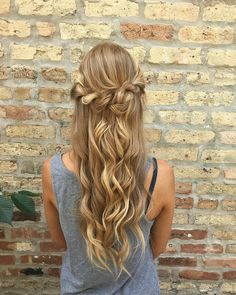 prom hair inspiration | hair by goldplaited | half up half down hairstyle | prom hairstyle | prom hair
