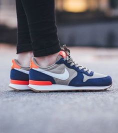 Nike wmns Internationalist: Royal Blue/Bamboo/Red