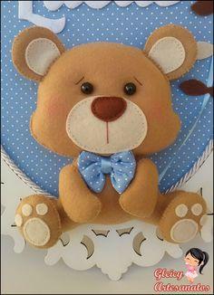 Quadro Porta Maternidade Ursinho Menino! Nome, ursinho baby e pipa em feltro e todos caseados a mão!