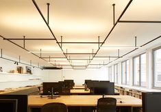 A modern interpretation of the Bauhaus style with a tubular steel profile integrating a magnetic graphite rail to be used for surface installations of one or more parallel lines. A full range of LED luminaires that of...
