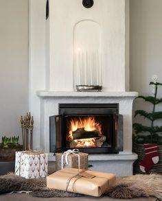 Dernière ligne droite pour la décoration de Noël - PLANETE DECO a homes world Christmas Pictures, Indoor Outdoor, Sweet Home, Beautiful, Home Decor, Yellow Houses, Cozy, Home, Straight Lines