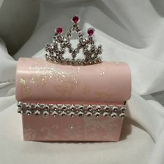 Princess Theme Party Favors Check out this item in my Etsy shop https://www.etsy.com/listing/248093296/12-pcs-princess-tiara-party-favor-box-in