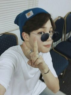 Find images and videos about kpop, bts and bangtan boys on We Heart It - the app to get lost in what you love. Jimin Selca, Bts Bangtan Boy, Bts Boys, Park Ji Min, Foto Bts, Bts Photo, Fanfiction, Vmin, Btob