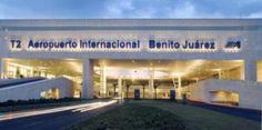 Nosotros usaremos el aeropuerto internacional de Benito Juárez para llegar en lunes y salir en sábado. Es un aeropuerto internacional y es muy grande y complicado. En el aeropuerto veremos la gente de todo el mundo.
