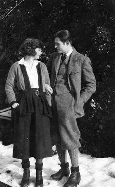 "Hadley & Ernest Hemingway, Paris, ""The Paris Wife"". Next book club choice? Ernest Hemingway, Roaring Twenties, The Twenties, Hadley Richardson, The Paris Wife, The Sun Also Rises, La Mode Masculine, Writers And Poets, Photo Album Scrapbooking"