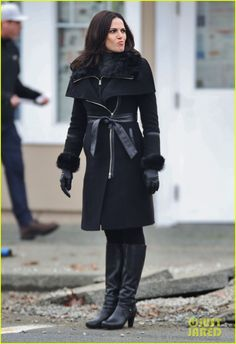 Lana Parrilla on set.love the coat. Regina Mills, Black Leather Gloves, Leather Skirt, Once Up A Time, Swan Queen, Outlaw Queen, Woman Crush, Coats For Women, Photos