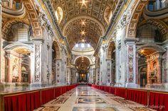 Petersdom ohne Menschen Massen...