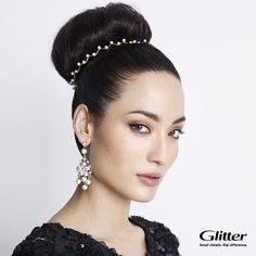 Keep it simple and style your hair bun just with pearl decoration! #hairdo #pearls #bun #bundecoration #hairdecoration #hairproducts #hairproduct #hair #hairguide #thehairguide #fashion #glitterhaireverywhere