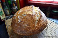 Cum se face maia naturală pentru pâine fără drojdie - rețeta de drojdie sălbatică | Savori Urbane Breakfast Recipes, Bread, Cookies, Food, Healthy Food, Crack Crackers, Eten, Cookie Recipes, Bakeries