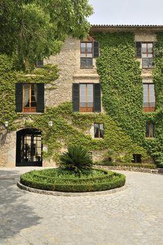 Venues to marry in Mallorca.  Gran Hotel Son Net Mallorca wedding planner.  Mallorca destination wedding