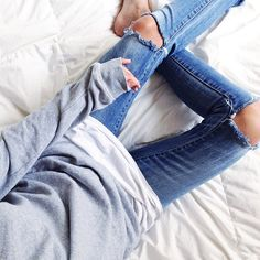 I could wear this kind of comfy casual outfit all day, everyday. Ripped denim & basic long sleeve layered