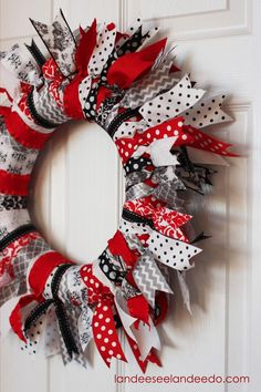 Landee See, Landee Do: Valentine's Day Ribbon Wreath