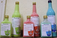 Phosphorus liqueur from Party Drinks, Cocktail Drinks, Cocktails, Halloween Drinks, Schnapps, Vanilla Sugar, Hot Sauce Bottles, Gin, Gifts For Friends