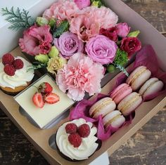 Sweet desserts and flowers Flower Box Gift, Flower Boxes, Flowers, Fleur Design, Dessert Boxes, Sweet Box, Flower Designs, Food Art, Diy Gifts