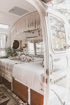 """The Mini and Marvelous Mavis the Airstream The Mini and Marvelous Mavis the Airstream,Wohnmobil Camper """"My husband and I have always been fascinated by tiny living and both share a deep love for travel."""