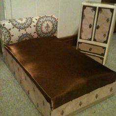 Barbie bed & armoire. Made from a cereal box and poptart box! My inspiration is from myfroggyprincess.blogspot.com