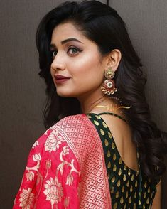 Gorgeous Skin Is Possible With This Simple Advice - Bridal Beauty NYC Beautiful Bollywood Actress, Most Beautiful Indian Actress, Beautiful Actresses, Beautiful Girl Photo, Clip In Hair Extensions, Hair Care Tips, India Beauty, Beauty Secrets, Beauty Women