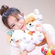Kpop, Aesthetic Girl, K Idols, Fandoms, Children, Baby, Chara, Girls, Sunshine