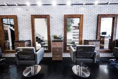 Beauty Salon Interior, Beauty Salon Design, Salon Interior Design, Salon Lighting, Track Lighting, Salon Mirrors, Home Hair Salons, Barbershop Design, Boutique Salon