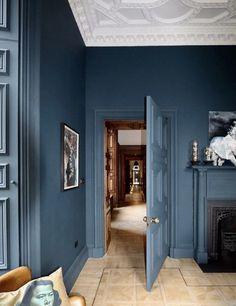 Monday Inspiration: Ormiston House - Mad About The House Dark Blue Rooms, Dark Green Walls, Dark Walls, White Walls, Interior Modern, Home Interior, Interior Design, Interior Doors, Design Design