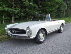 1967 Mercedes Benz 250SL Front