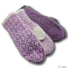 Love this Gray & Pink Flower Newsboy Hat by Marili Jean on Knitted Mittens Pattern, Knit Mittens, Mitten Gloves, Knitted Hats, Wrist Warmers, Hand Warmers, Norwegian Knitting, Knit Crochet, Crochet Hats