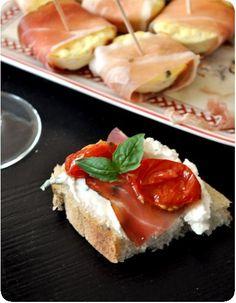 Un dipp de chèvre, au citron, au jambon cru et aux tomates séchées. (http://pichalafraise.over-blog.com/article-tartinade-de-chevre-au-citron-et-au-basilic-80330451.html)