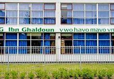 10-Jun-2013 7:21 - 'VRESELIJK DAT HET LEERLINGEN VAN ONS ZIJN'. De islamitische scholengemeenschap Ibn Ghaldoun is geschokt dat op de Rotterdamse school eindexamens voor vwo, havo en vmbo zijn gestolen. 'Het…...