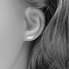 Cheap stud earrings, Buy Quality stud earrings for women directly from China feather stud earrings Suppliers: Real 925 Sterling Silver Feather Stud Earrings for Women Girls 2017 sterling-silver-jewelry brincos oorbellen aros de plata 925 Feather Earrings, Women's Earrings, Color Plata, Sterling Silver Earrings Studs, Silver Bracelets, Silver Rings, Silver Jewellery, Aliexpress, A Boutique