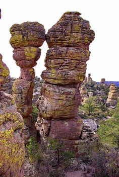 Kissing Rocks Formation - Heart of Rocks Trail - Chiricahua National Monument, Arizona. 120 mi SE of Tucson; Vida Natural, Cool Rocks, Photos Voyages, Rock Formations, Natural Phenomena, Mother Nature, Mother Earth, Natural Wonders, Amazing Nature