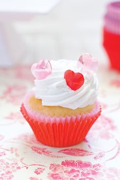 Edible Sugar Heart Assortment  $15.00 http://www.fancyflours.com/product/Edible-Sugar-Heart-Assortment-Set-if-18/valentines-party-theme