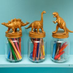 DIY: golden crayon pots - maybe small Lego or other toy storage, or coins/change. Dinosaur Bedroom, Pot A Crayon, Crayon Art, Baby Storage, Storage Ideas, Dinosaur Toys, Cool Lego, Awesome Lego, Jolie Photo