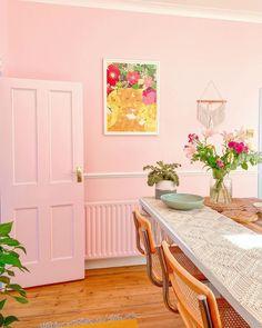 Living Room Interior, Home Living Room, Apartment Living, Decorating Your Home, Interior Decorating, Interior Design, House Of Gold, Cute Furniture, Pastel Interior