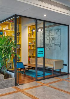 Small Office Design, Tiny Office, Office Interior Design, Office Interiors, Office Design Concepts, Office Meeting, Partition Design, Co Working, Contemporary Decor