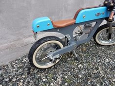 Wooden Bicycle, Mancave Ideas, Bike Pedals, Balance Bike, Pedal Cars, Cool Toys, Gadget, Wood Crafts, Woodworking Projects