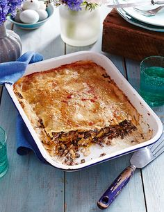 This vegetarian recipe for spiced lentil shepherd's pie is a great vegan version of a classic. It's ready in 1 hour and is enough to feed the whole family