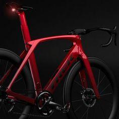 The design story behind the 2019 Trek Madone SLR - Road Cycling, Cycling Bikes, Mtb Bike, Cycling Art, Cycling Jerseys, Bicycle Paint Job, Bicycle Painting, Trek Madone, Trek Bikes