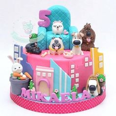 These 17 Secret Life of Pets Party Ideas are PAW-some for any little one's birthday celebration. Get ideas for the cake, decor, invites and more! Birthday Party Design, Puppy Birthday, Animal Birthday, Birthday Cake Girls, 2nd Birthday, Party Animals, Animal Party, Dog Cakes, Girl Cakes