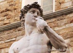 David de Miguel Angel ( copia) en Plaza Signoria. David sculpture ( replica) on Signoria Square.