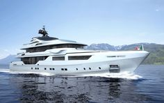 Luxury Crewed Motor Yacht ENTOURAGE - Admiral Yachts 47m - 5 Staterooms - Monaco - Antibes - Cannes - St Tropez- Bahamas - Virgin Islands - http://www.boatbookings.com/yacht_search/yacht_view.php?pid=20598
