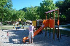 camping-dordogne-aire-de-jeux-enfants-bas-age