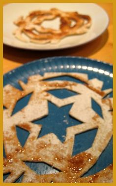 Tortilla snowflake with cinnamon and sugar