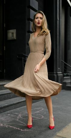 30 DRESSES IN 30 DAYS: Holiday Entertaining //  Metallic gold knit ribbed midi dress, red suede pumps, diamond bezel necklace and gold tribar cuff {Nic and Zoe, AUrate New York, holiday entertaining, classic style, fashion blogger, what to wear to a dinner party, holiday style, festive dress}